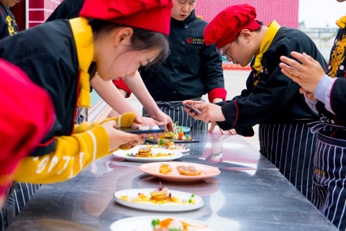 2020年厨师一个月能拿多少工资
