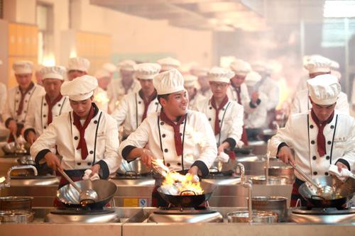 学厨师学一年学费多少