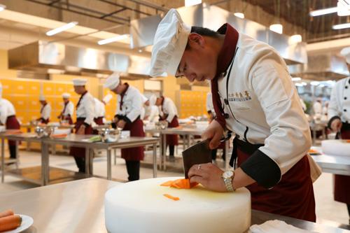 想学厨师专业在哪里学好