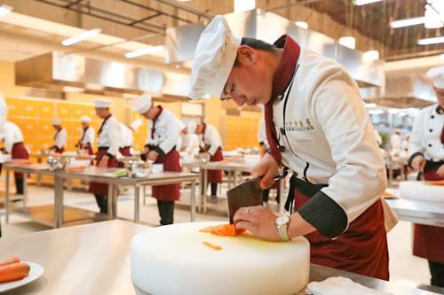 做厨师怎样才能把刀工练好 厨师练好刀工的诀窍