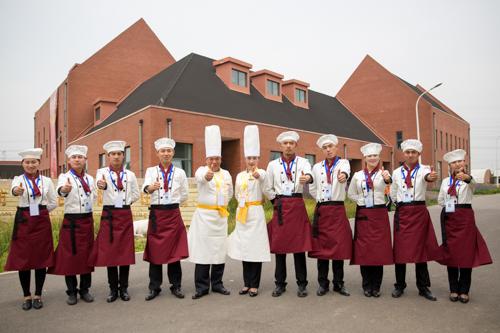 成都靠谱的厨师学校在哪里?厨师行业的前景好吗