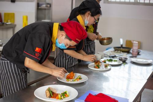 报名西餐厨师资格认证考试需要哪些条件