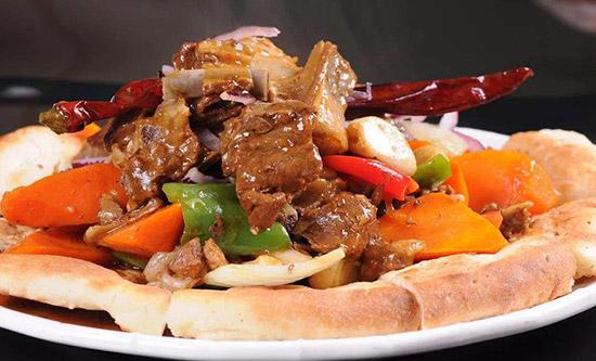 西北年夜饭菜谱之馕包肉