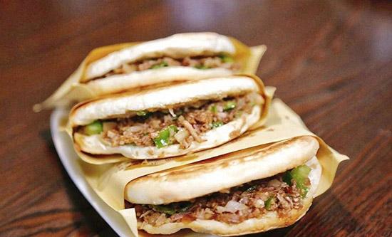 西北年夜饭菜谱之腊汁肉夹馍