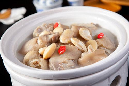 芸豆炖猪蹄的做法