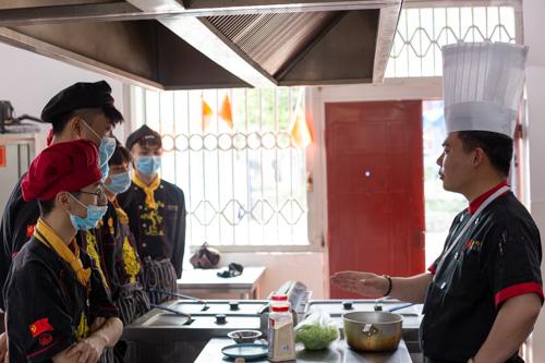 西餐培训一年能当厨师吗