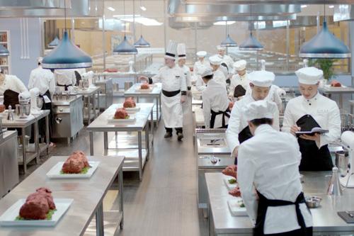 西餐厨师工资一般一个月多少钱