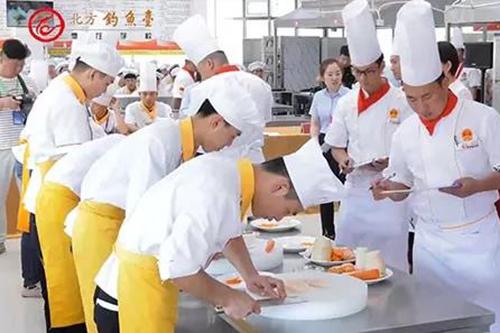 烹饪培训学校学厨师究竟要花多少钱?