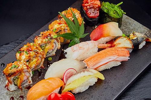日式寿司卷.jpg